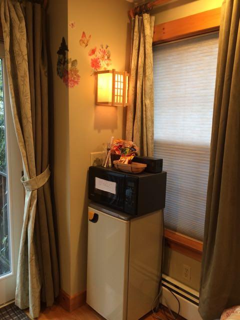 desk & flatscreen TV Garden room mini-fridge microwave in bed and breakfast Marblehead, MA/Bed and